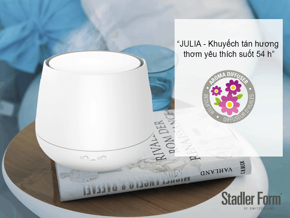 Máy khuếch tán tinh dầu Stadler Form Julia có thiết kế nhỏ gọn, màu sắn trang nhã với 2 lựa chọn white/back phù hợp với mọi không gian nội thất.