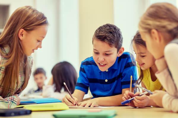 Trường học - Tổ chức giáo dục nên sử dụng máy tạo ẩm
